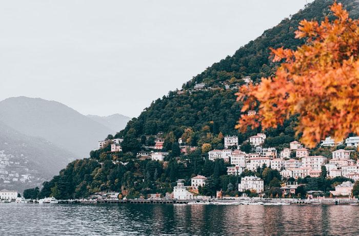 Bredden ved Comosøen